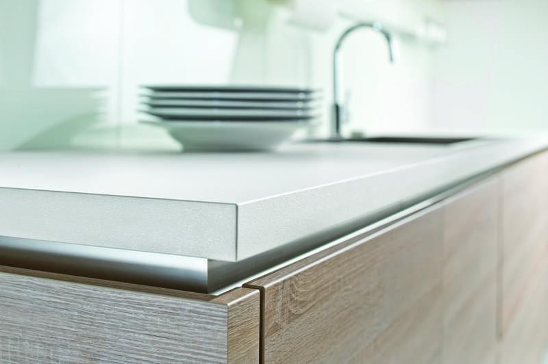 Handleless Kitchen Design - purplebirdblog.com -